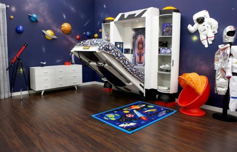 ausklappbares Bett Raumschiff