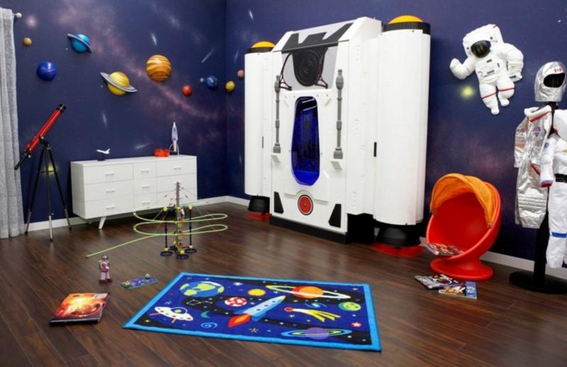ausklappbares Kinderbett Raumschiff