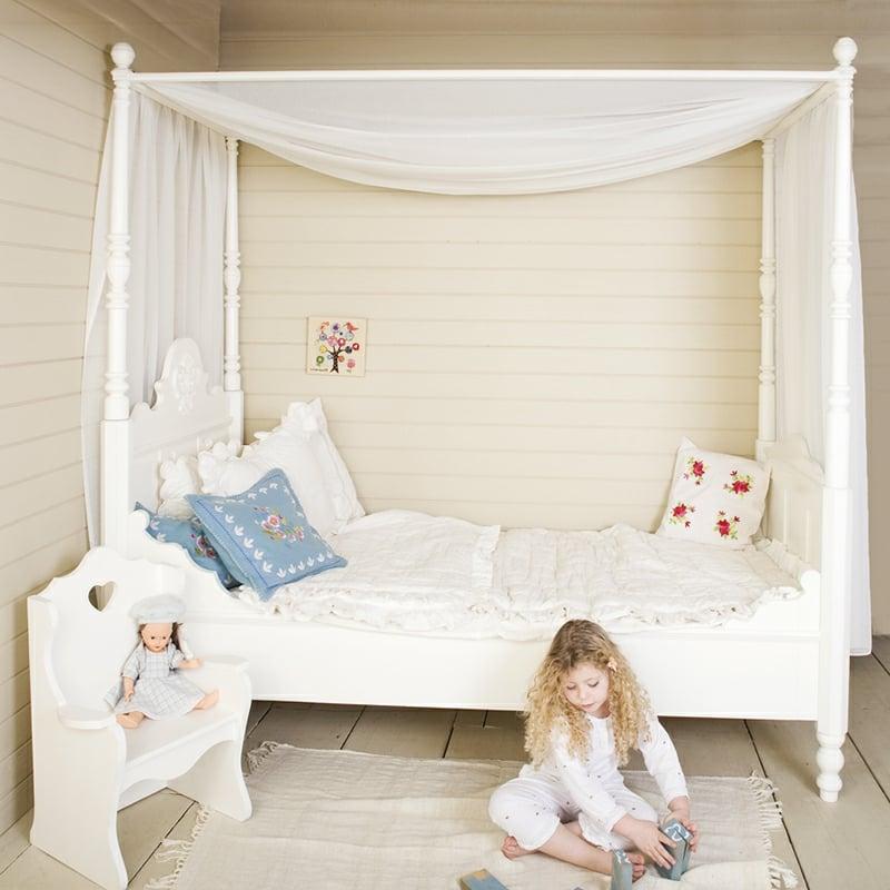 Kinderbett auswählen Himmelsbett Mädchenzimmer