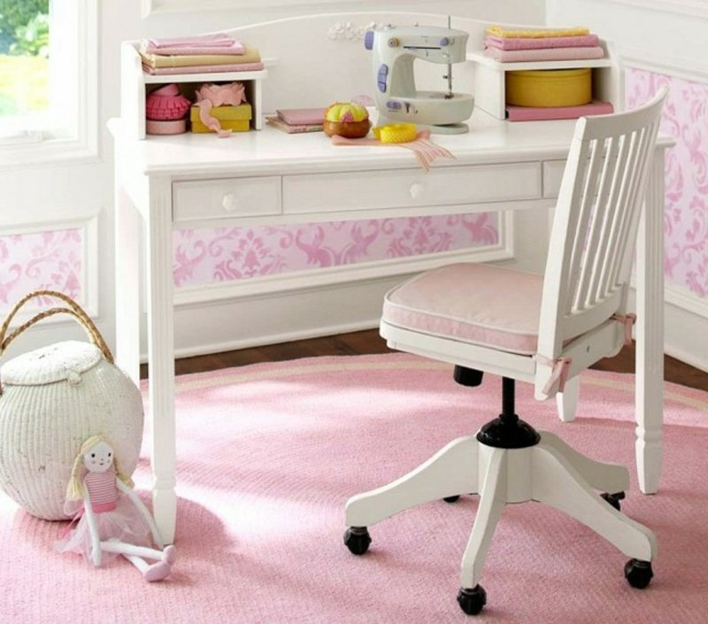 Mädchenzimmer Schreibtisch funktional stilvoll mit Stuhl