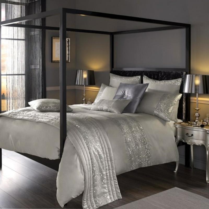 Himmelsbett modern Schlafzimmer