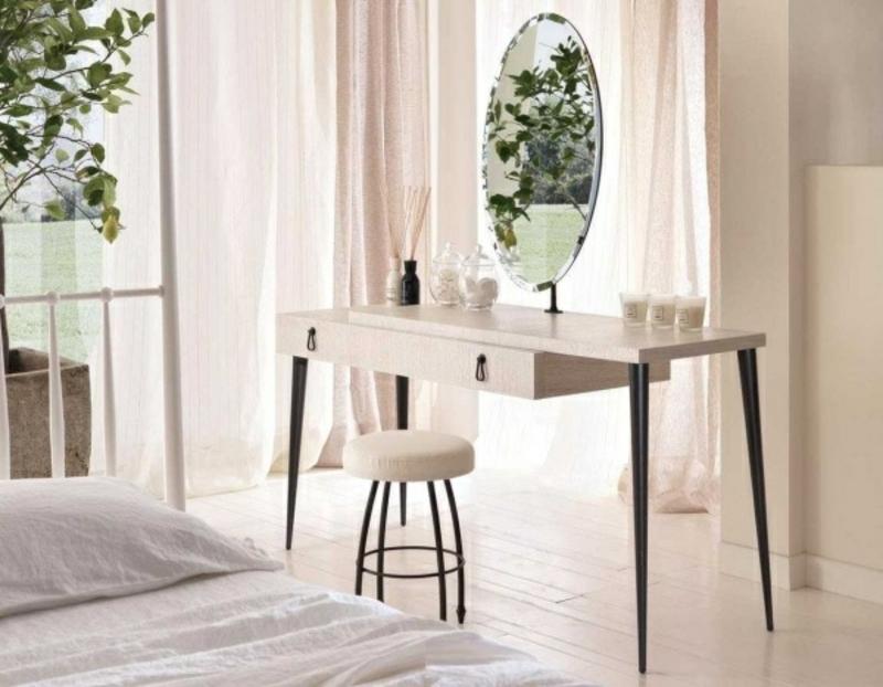 Schminktisch Holz elegantes Design runder Spiegel