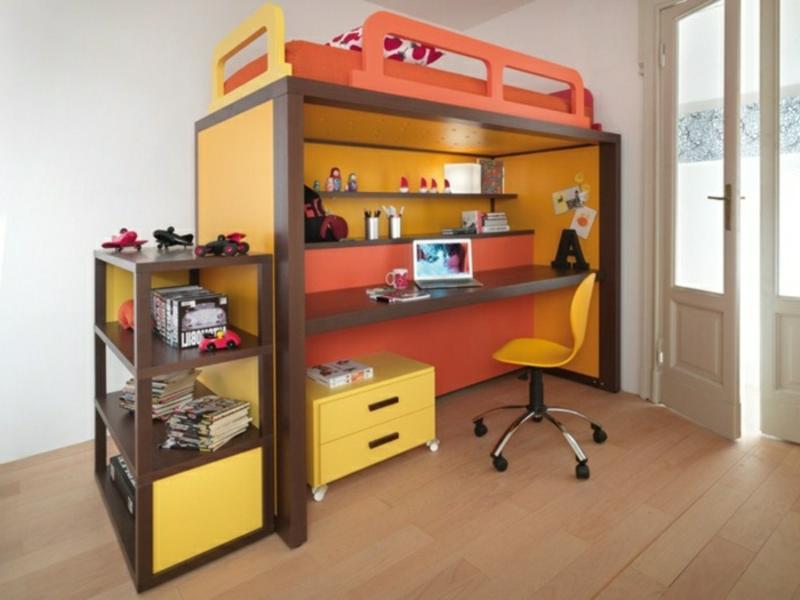 Mäbel für das Kinderzimmer Hochbett mit Schreibtisch