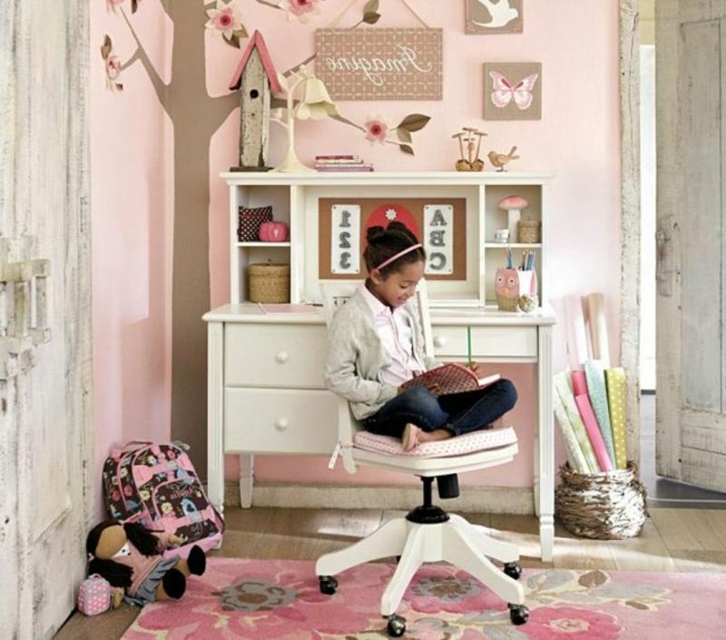 Mädchenzimmer schöner Lernplatz Schreibtisch