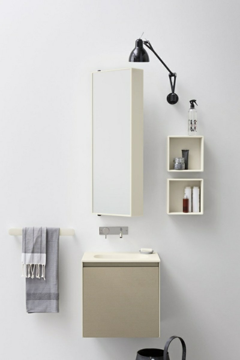 Spiegelschrank Bad Beleuchtung minimalistischer Stil