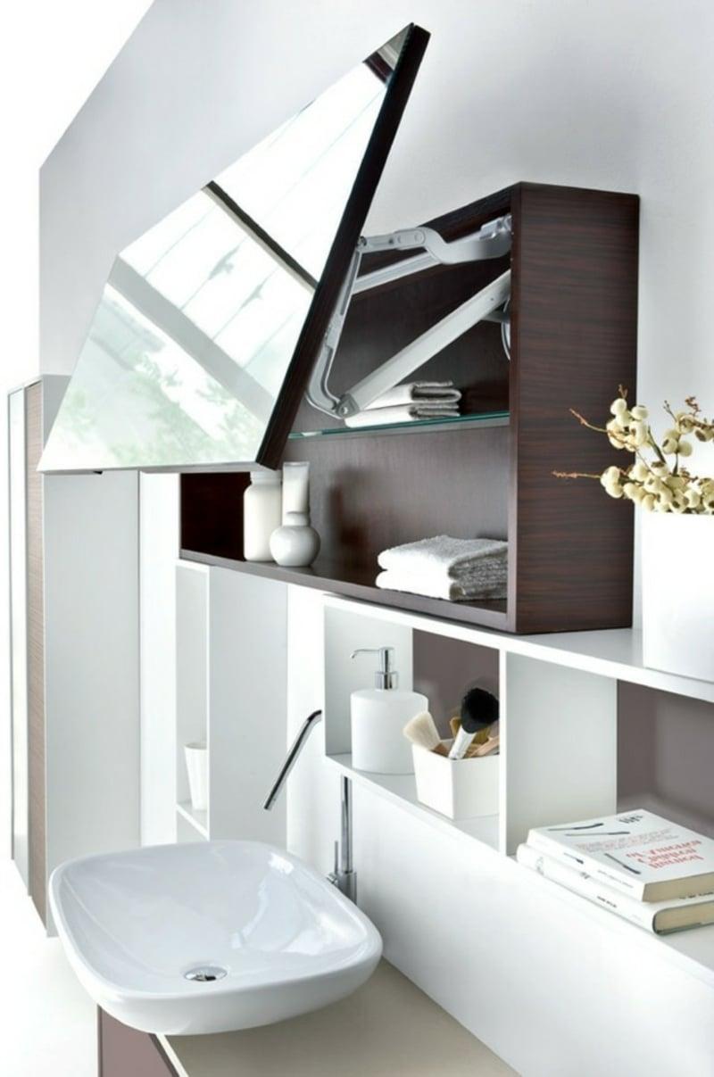 Schrank mit Spiegeltür besonders moderner Look