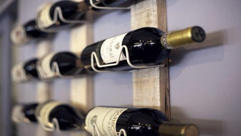 Weinregal Holz Metallhalter Weinflaschen