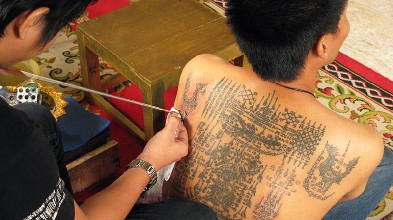 Buddhismus Tattoo Mann Rücken