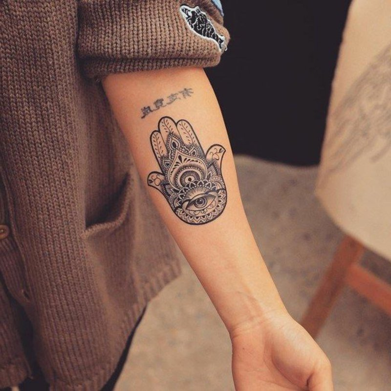 Unterarm Hamsa Hand stilvoller Look