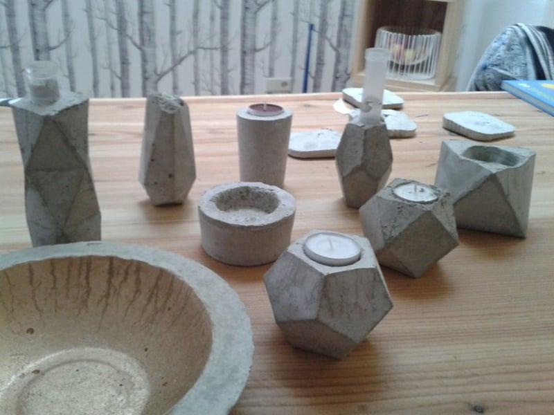 Vasen Teelichthalter und Schalen aus Beton basteln