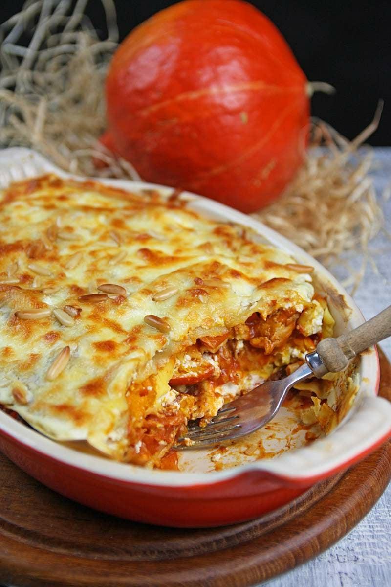 Jamie Oliver Lasagne mit Räucherspeck und Chili