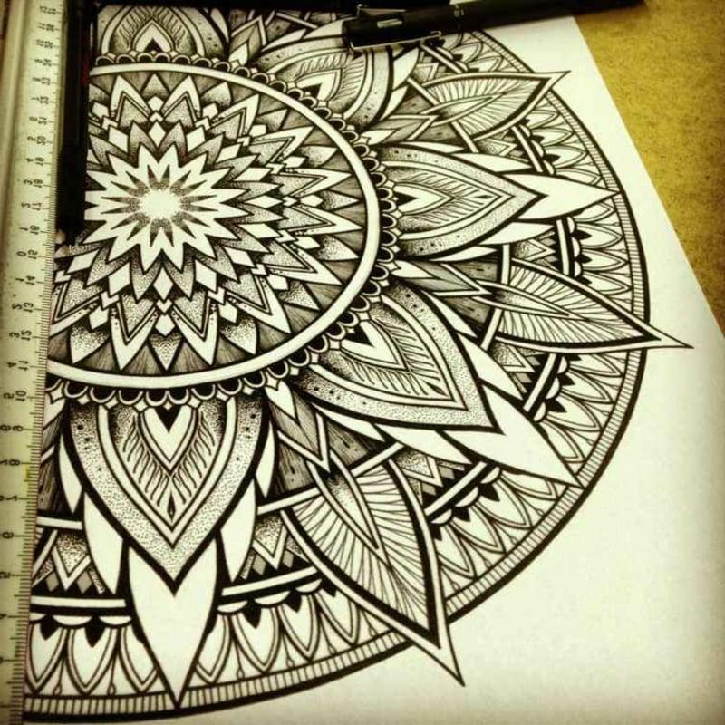 Mandala zeichnen beruhigend