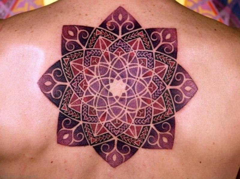 Tattooideen Mandala bunt