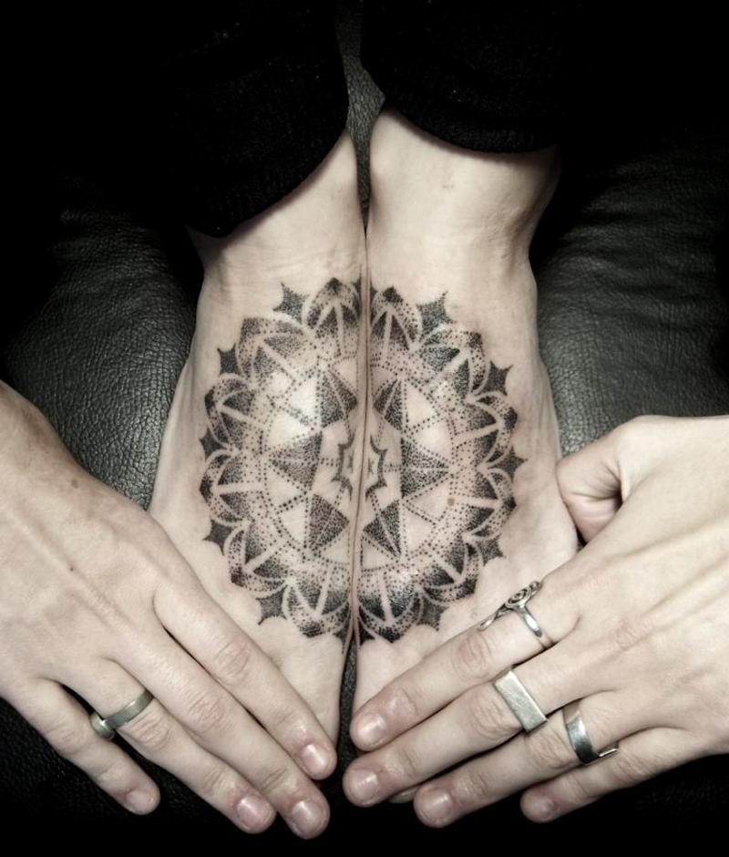 Mandala Tattoo Füße wirklich originell