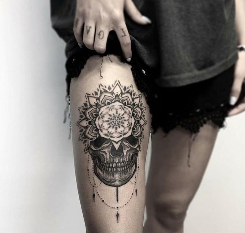 coole Tattoos Mandala Totenkopf
