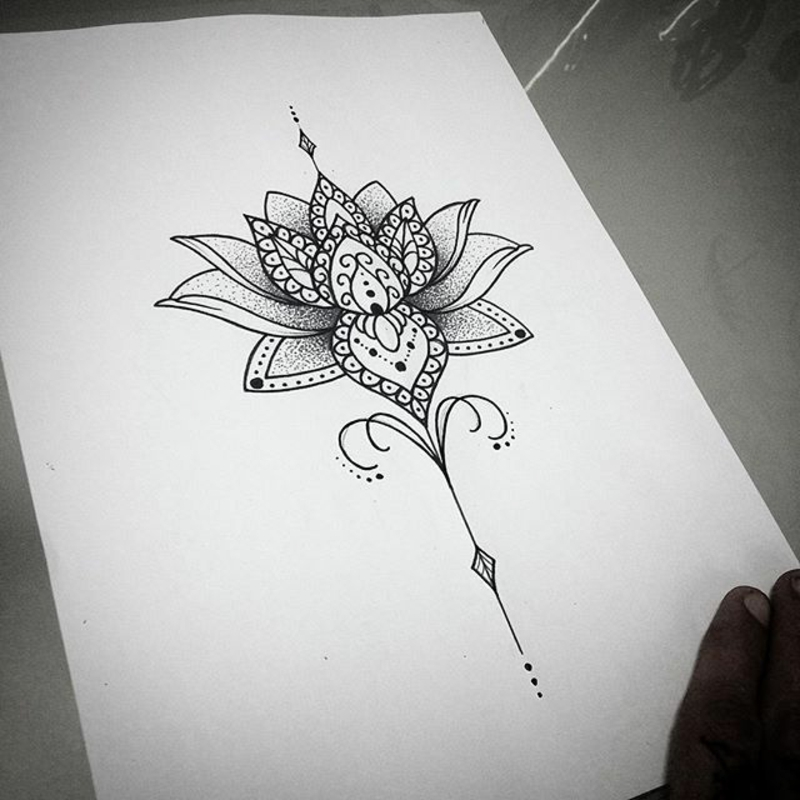 Lotusblume zeichnen Tattoomotiv