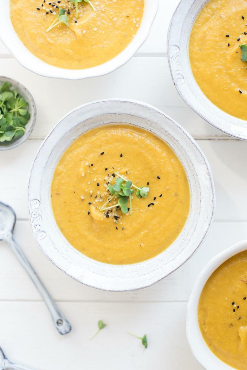 Cremesuppe aus Möhren und Ingwer