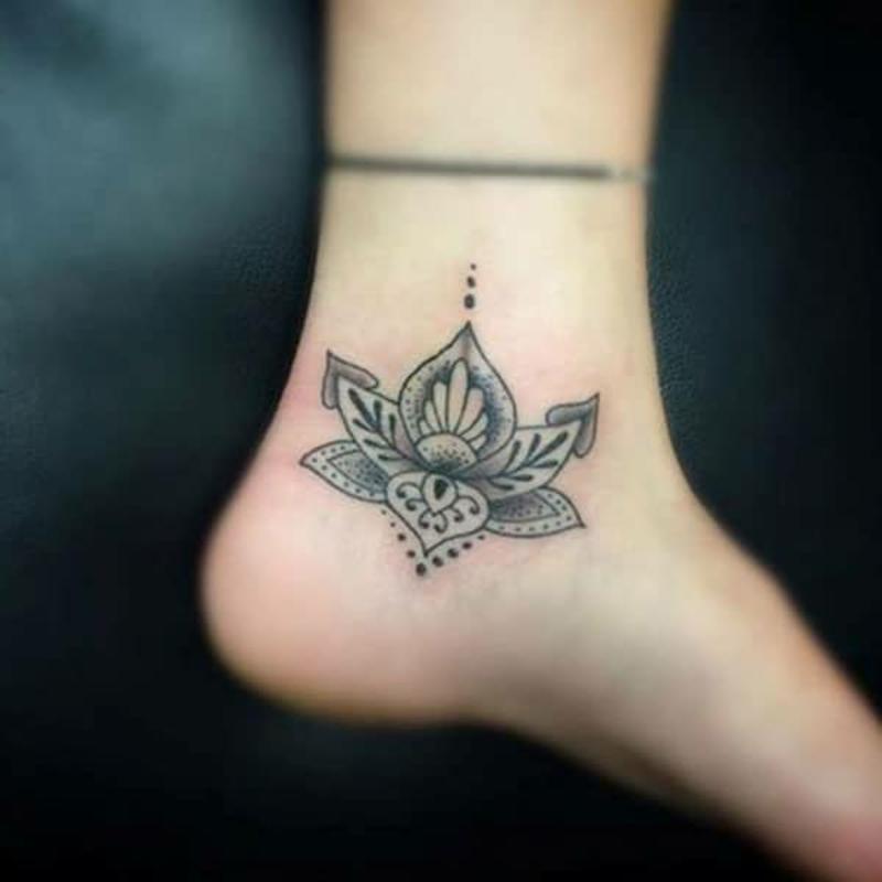 Lotus Tattoo Mandala Knöchel