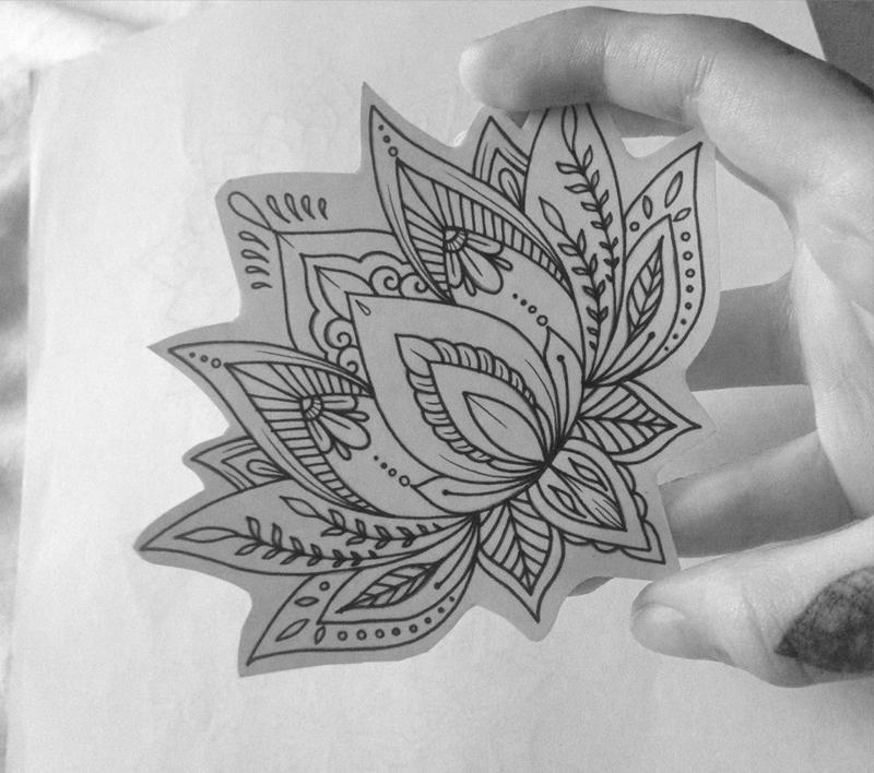 Tattoo Lotusblume Vorlage wunderschön