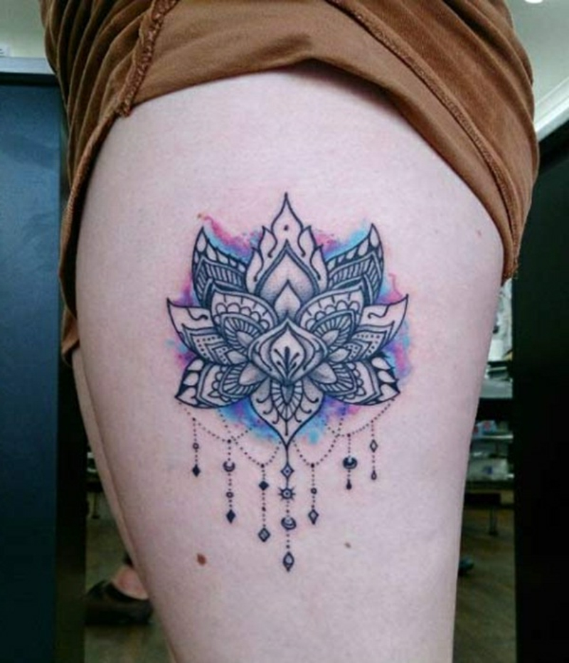 Lotus Tattoo Mandala pastellige Farben zart