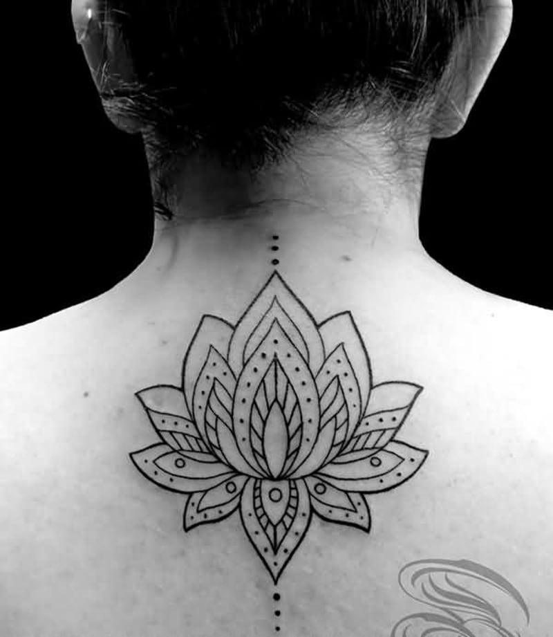 Rückentattoo Lotusblume