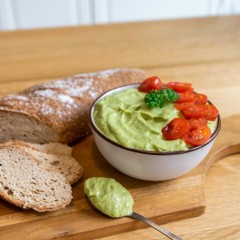 Brotaufstrich mit Avocado selber machen