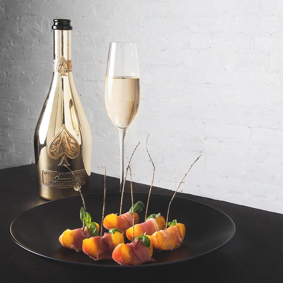 Champagner mit einem passenden Gericht kombinieren