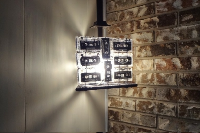Basteln mit Musikkassetten Lampenschirm