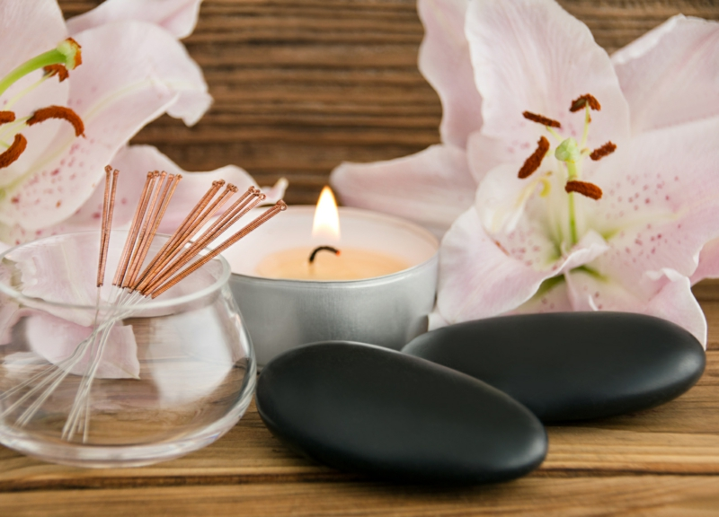 Duft Kerze und aromatische Stäbchen