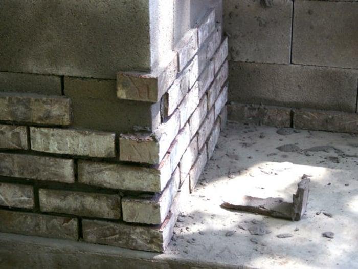 Grundkonstruktion verkleiden Schalsteine
