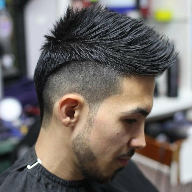 irokese männer: der modernste haarschnitt für sommer 2020
