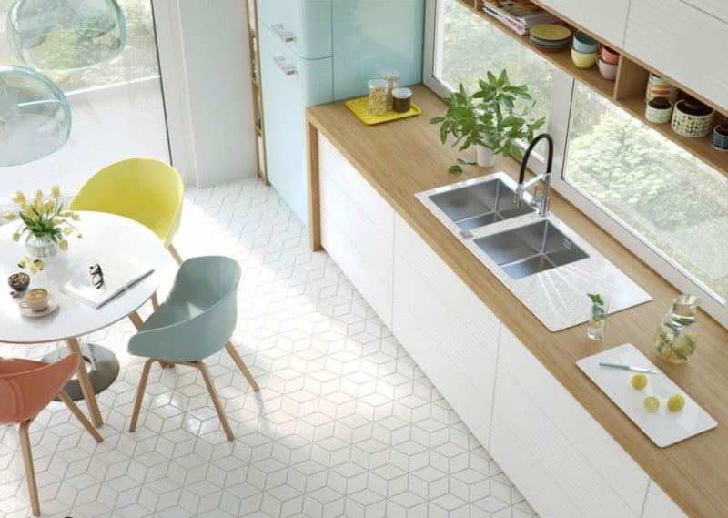 Kücheneinrichtung farbige Akzente