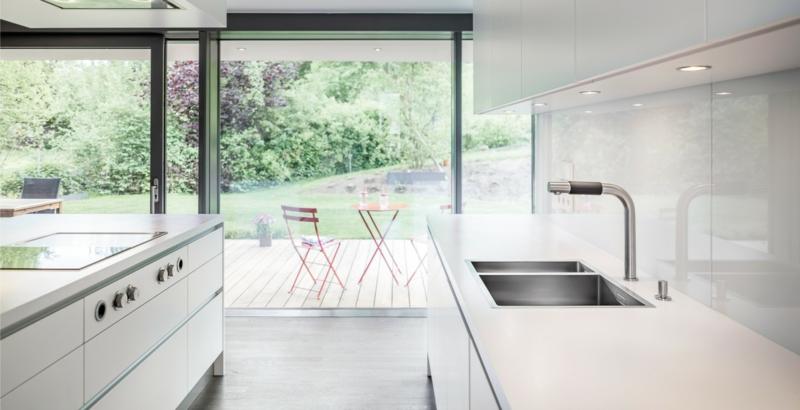 Küche einrichten puristisch neutrale Farben