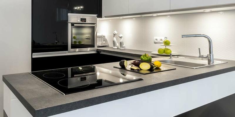 luxuriöse Kücheneinrichtung sehr stilvoll