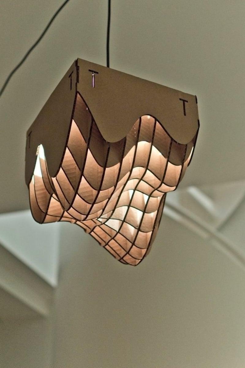 Lampenschirm aus Karton einzigartig