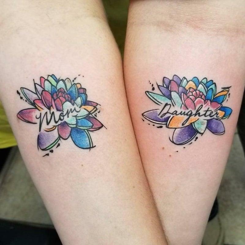 Tattoo Lilie Mutter und Tochter
