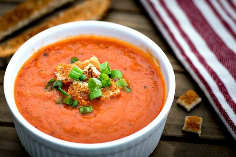 Suppe zubereiten Paprika