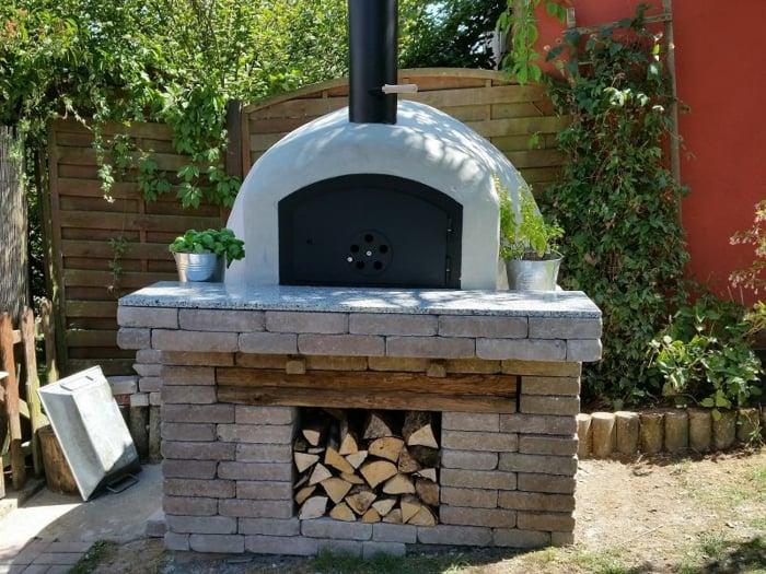 Pizzaofen bauen Metalltür Schalsteinkonstruktion