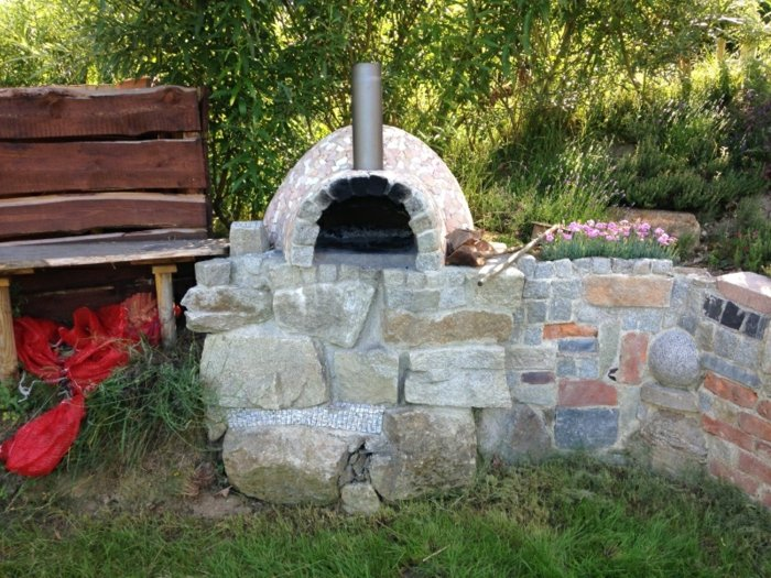 Outdoor Ofen Stein selbstgebaut