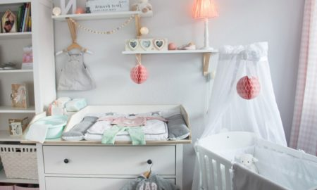 Wickelkommode Babyzimmer Babybett Himmel