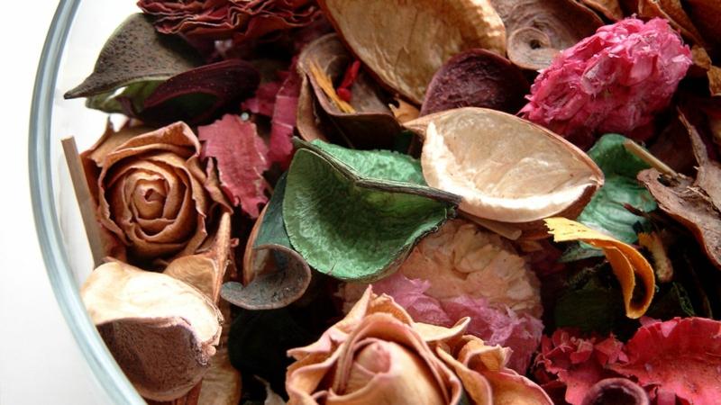 Raumduft machen Rosenblätter