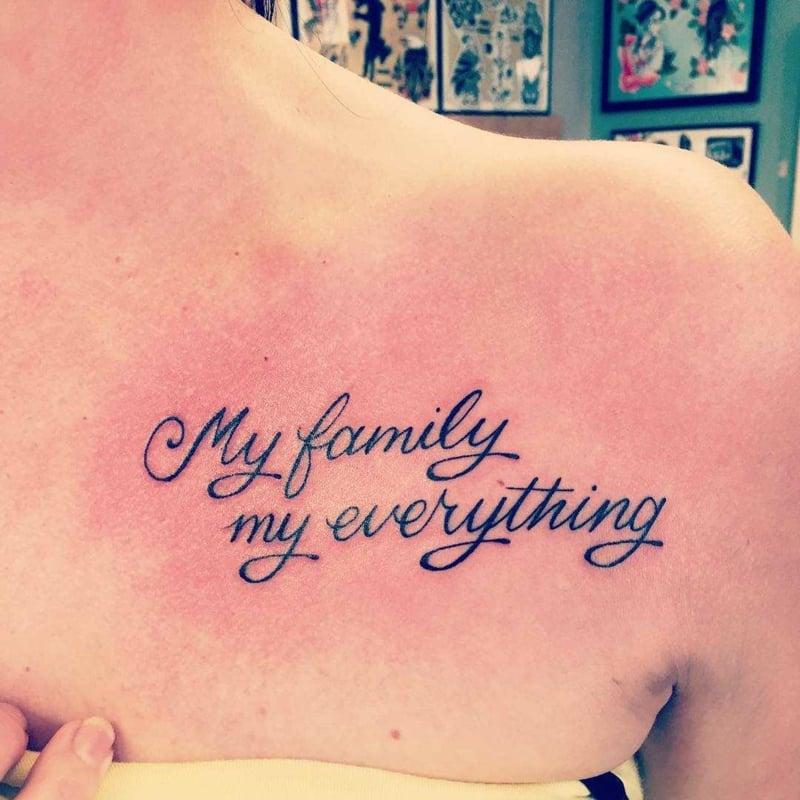Tattoos für Frauen ab 50 Familie