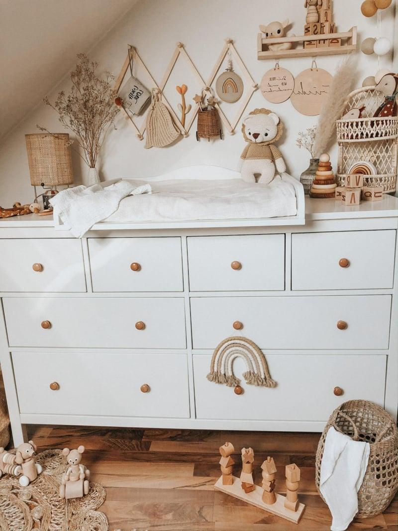 Babyzimmer Kommode das Baby wickeln