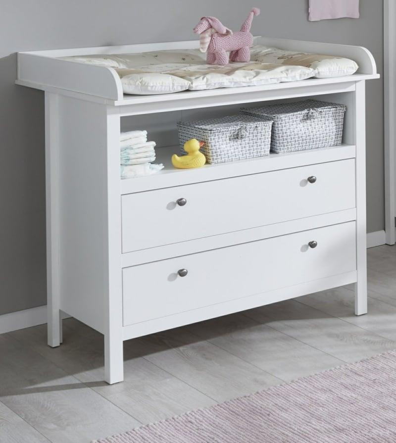 Wickeltisch im Babyzimmer ganz praktisch