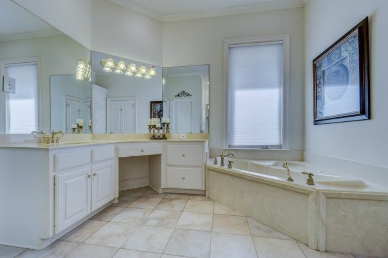 modernes Bad Badewanne Fenster