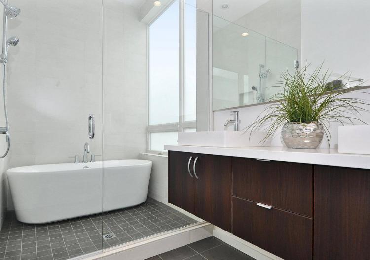 Badewanne großes Badfenster