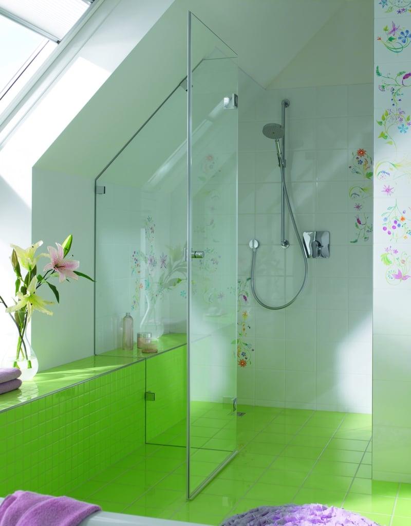 Duschkabine aus Glas modern Dachschräge