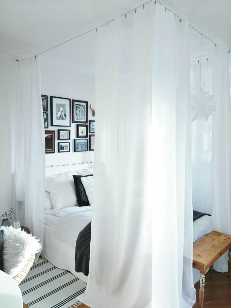 romantisches Himmelbett weiße Vorhänge