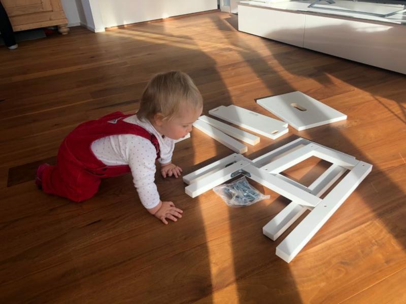 IKEA Möbel bauen mit dem Kind