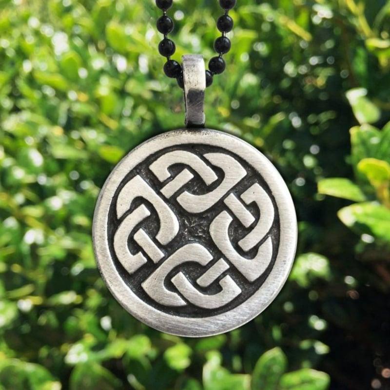 keltische Symbole Knoten Halskette